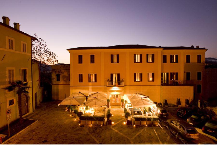 Offerte di Capodanno Hotel a Spoleto 3 stelle centrale Umbria